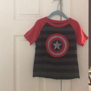 Toddler boys Captain America T-shirt in size 4T
